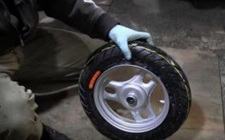 Как разбортировать колесо на скутере (фото и видео)