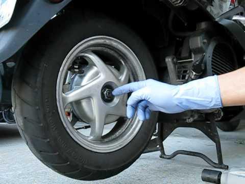 о замене заднего колеса у скутера