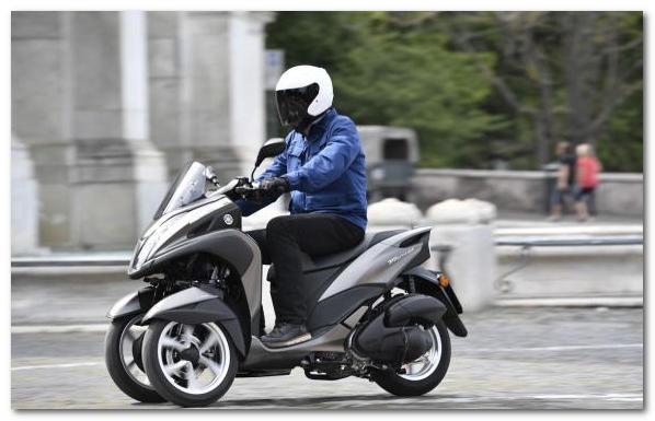 новый трехколесный скутер Ямаха