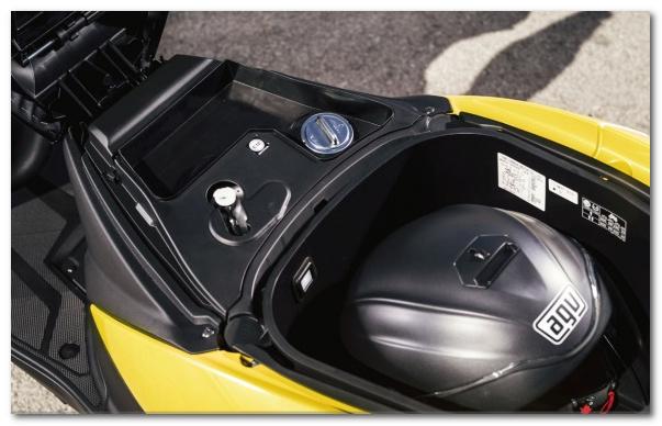 шлем в багажнике